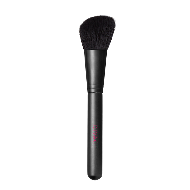 ANGLED SHAPE BLUSHER BRUSH - Divage Milano