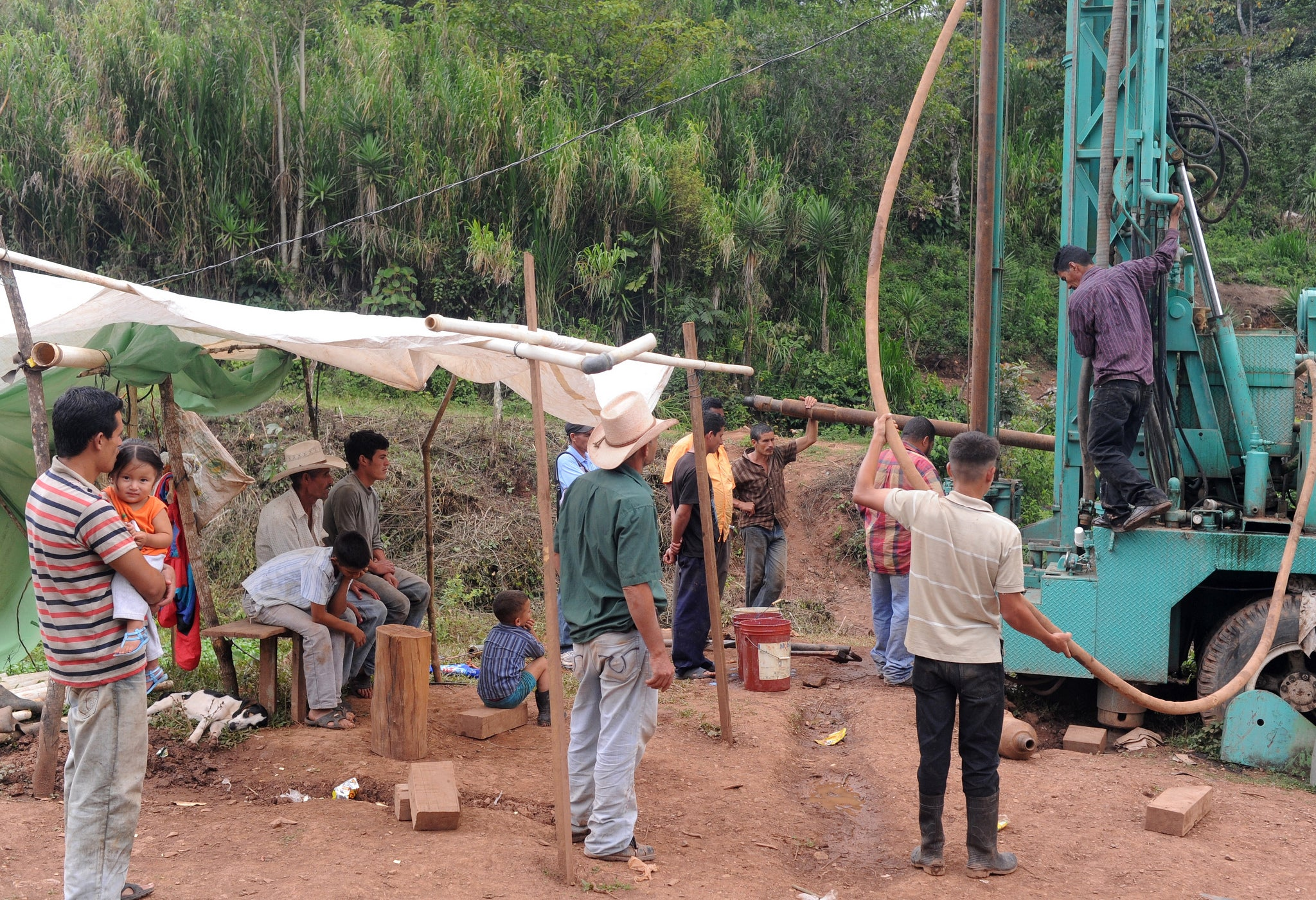 Aldea Development digging a well in the San Carlos area of Honduras