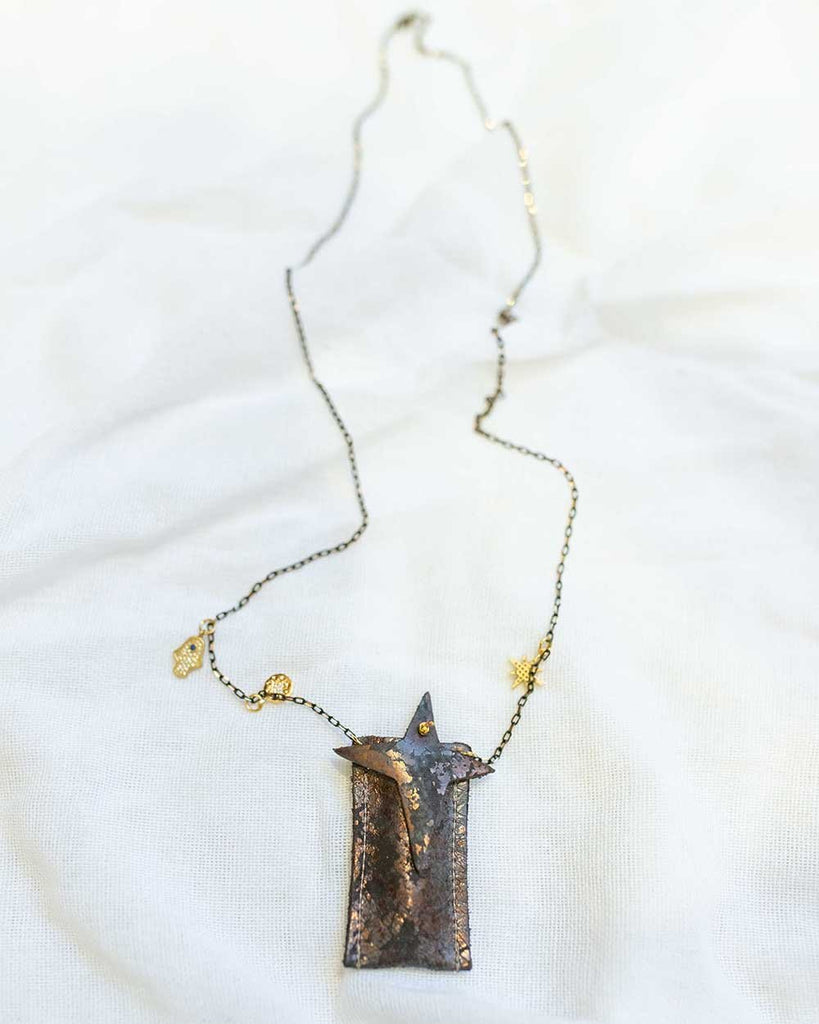 Little atsuyo et akiko accessories amulet crystal necklace in oxidize bronze
