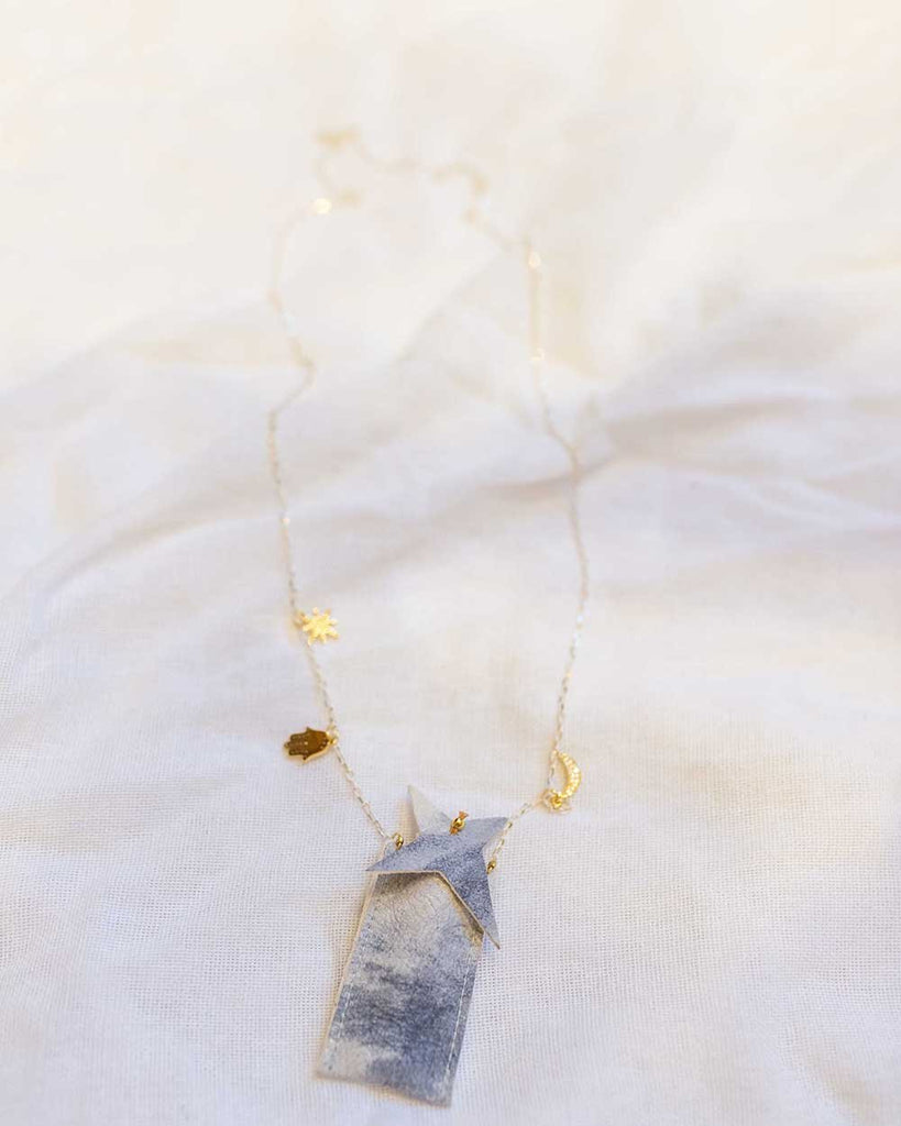 Little atsuyo et akiko accessories amulet crystal necklace in tie dye gray