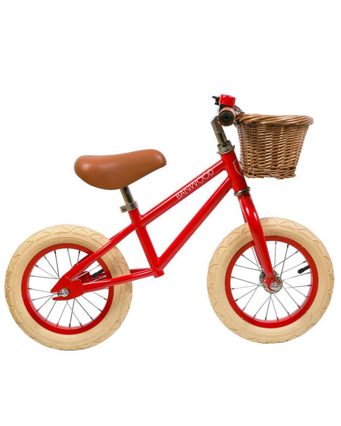Little banwood play first go! balance bike in red