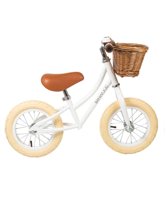 Little banwood play first go! balance bike in white