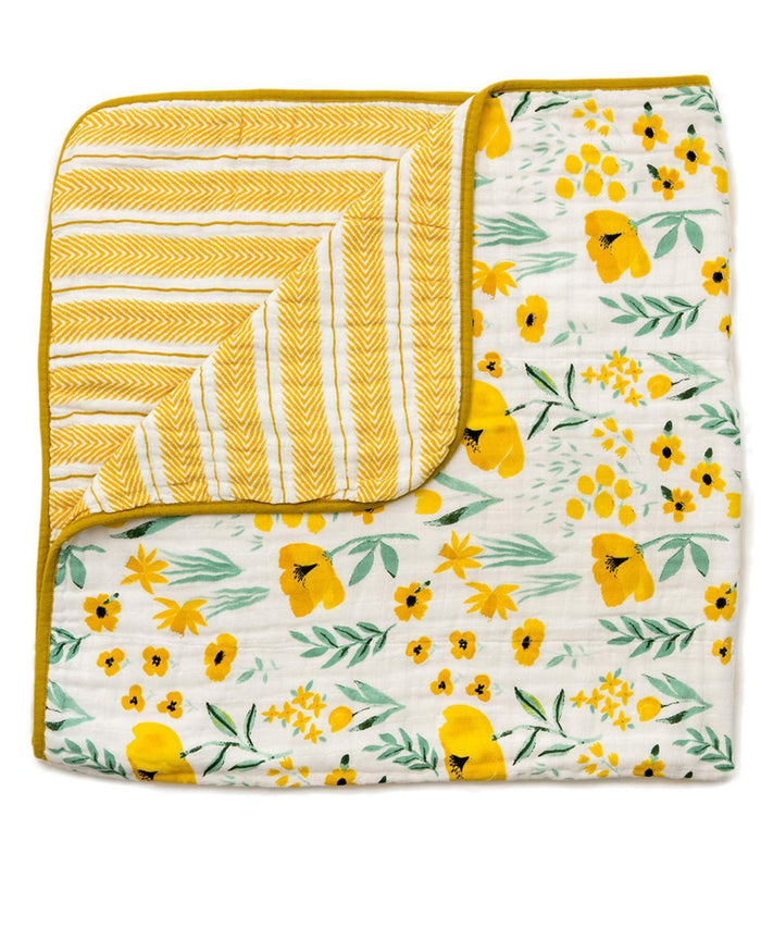Little clementine kids room Buttercup Reversible Quilt