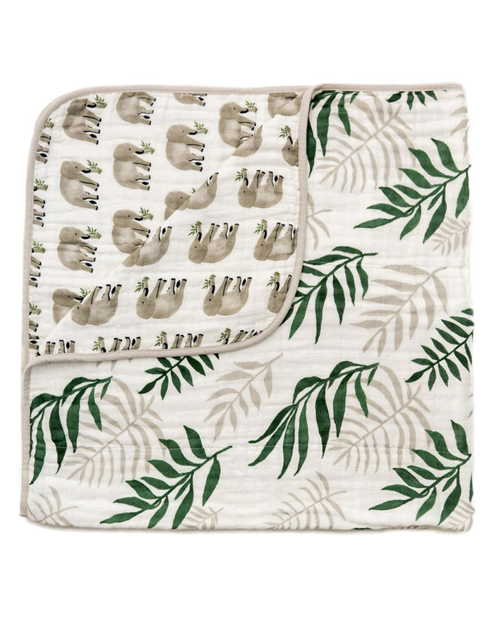 Little clementine kids room jungle fern reversible quilt