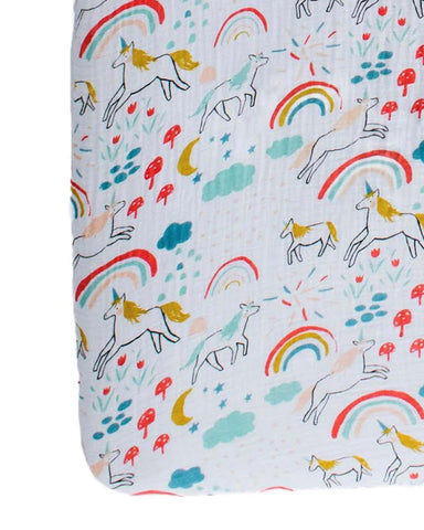 Little clementine kids room unicorn land crib sheet