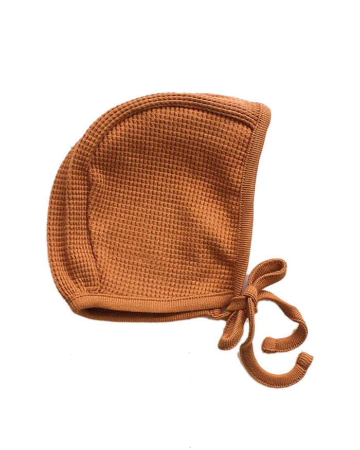Little fin + vince baby accessories waffle bonnet in camel