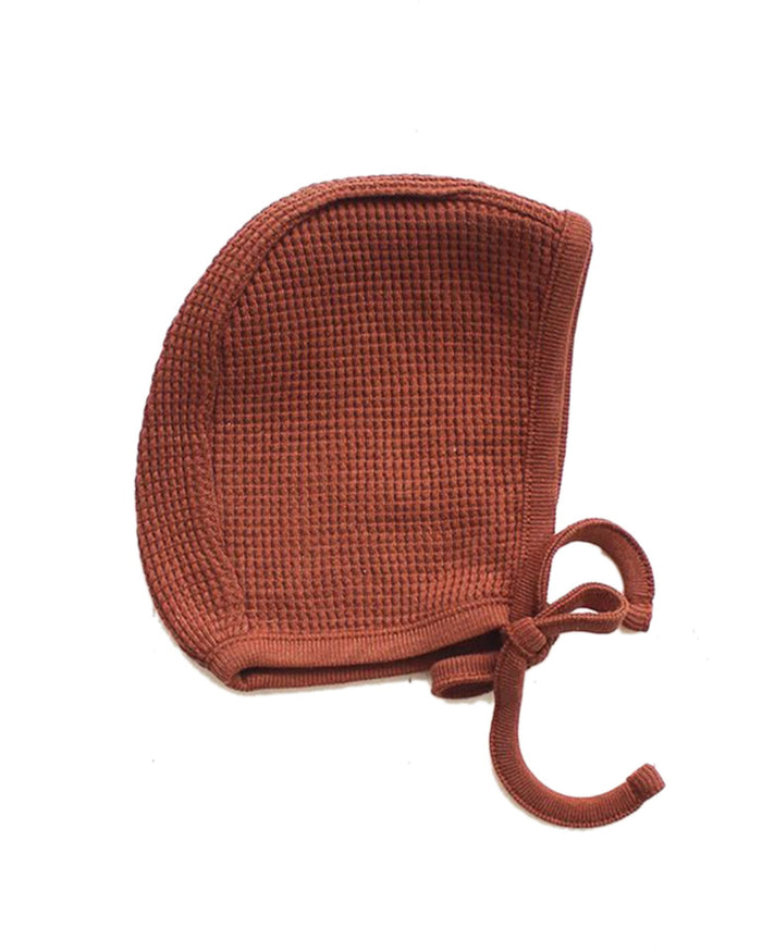 Little fin + vince baby accessories waffle bonnet in spice