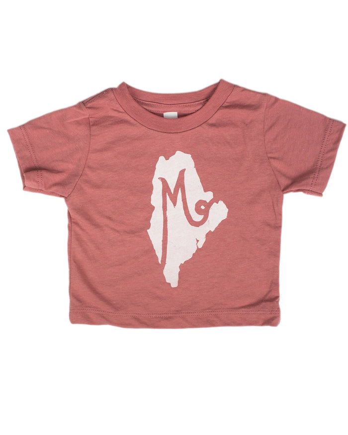 Little hills + trails co. baby boy m is for maine baby tee in mauve