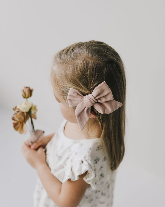 Little jamie kay accessories nova cotton bow in powder