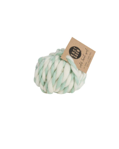 Little knot + bow paper+party Twist Wool in Mint