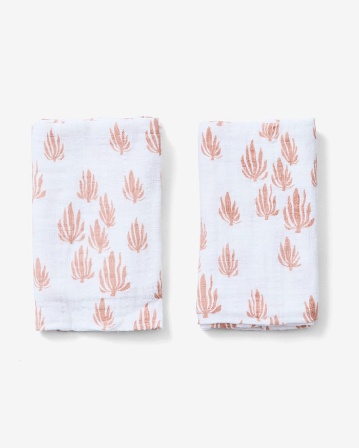 Little lewis baby accessories seaweed burp cloth set in blush