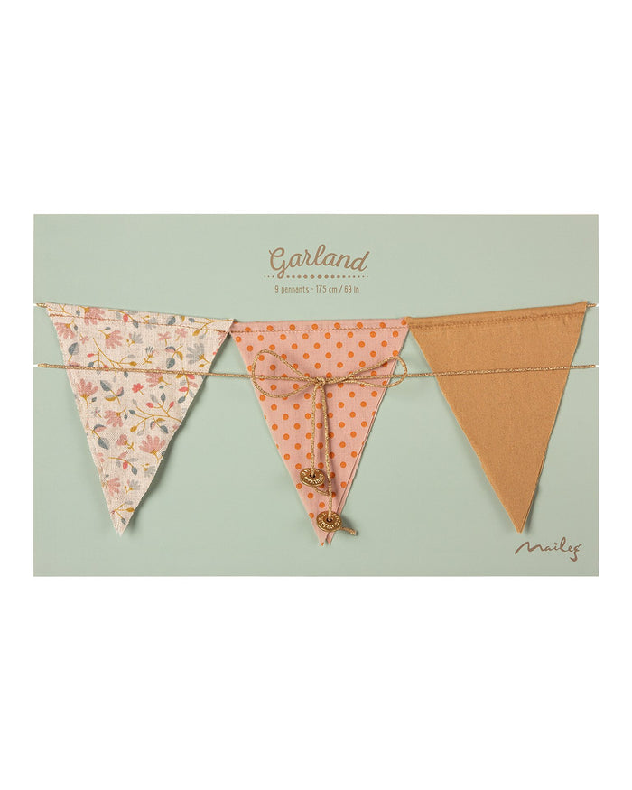 Little maileg room garland in dusty rose