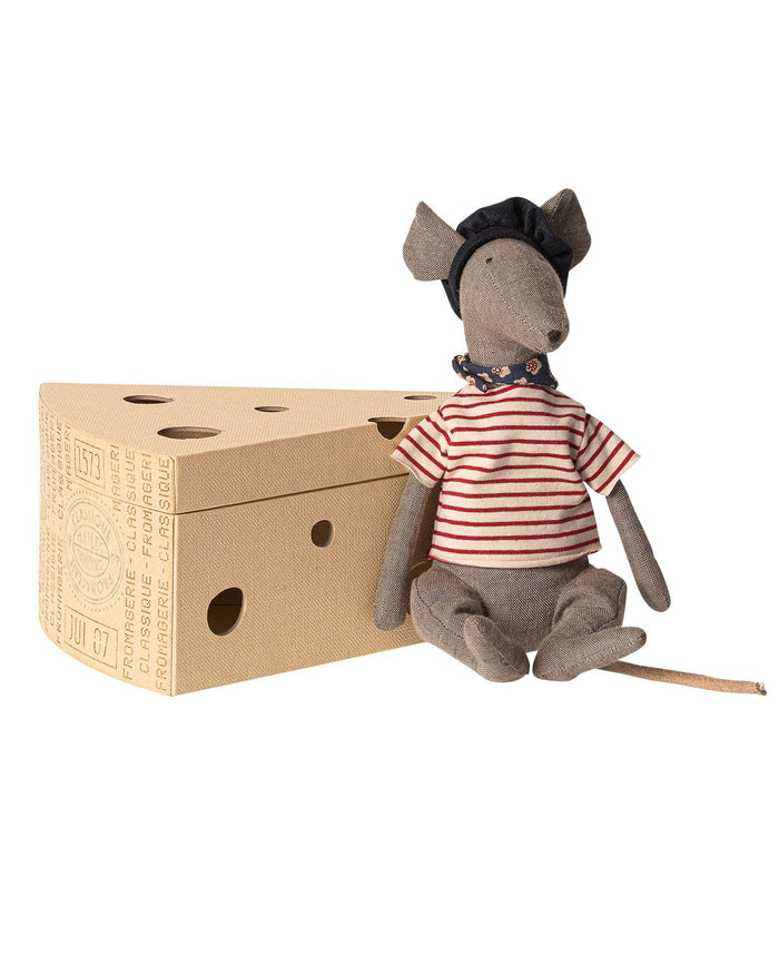 Little maileg play grey rat in cheese box