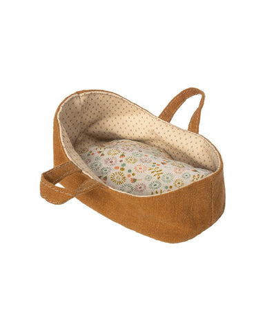 Little maileg play micro carry cot