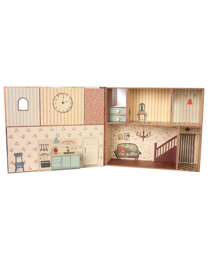 Little maileg play mouse book house