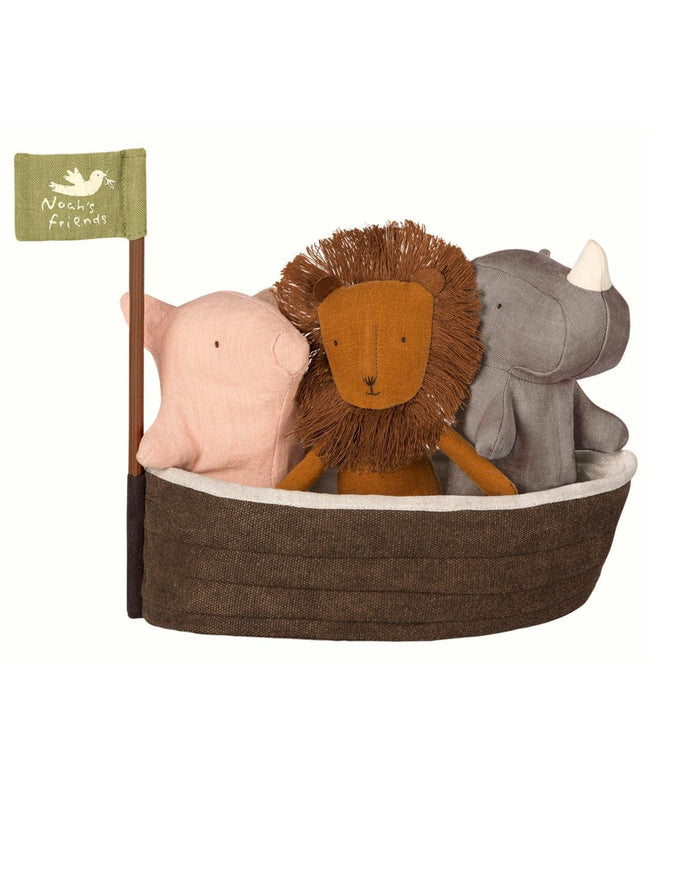 Little maileg play noah's ark + 3 mini friends