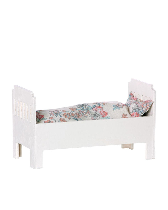 Little maileg play small bed in off white