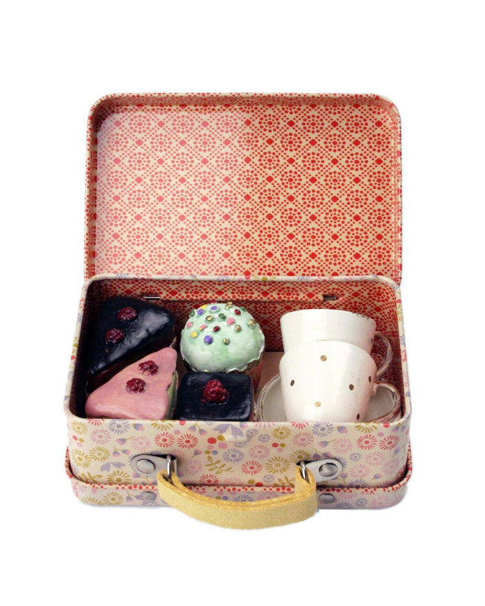 Little maileg play suitcase with cupcakes + cups