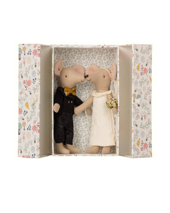 Little maileg play wedding mice in box