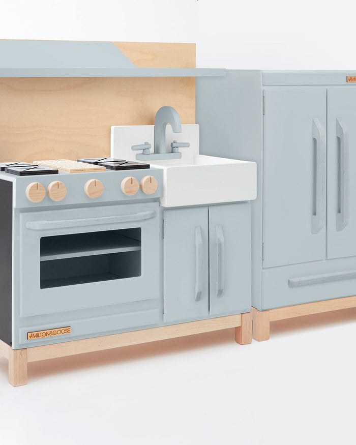 Little milton + goose play classic play kitchen in gray