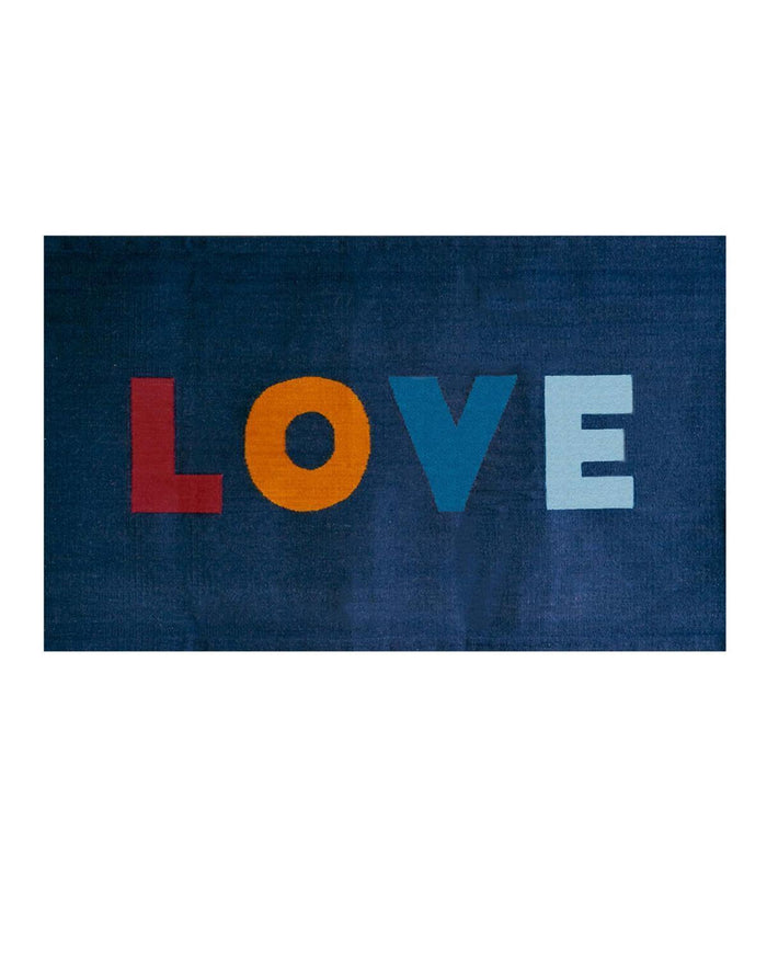 Little oeuf room 3 x 5 love rug