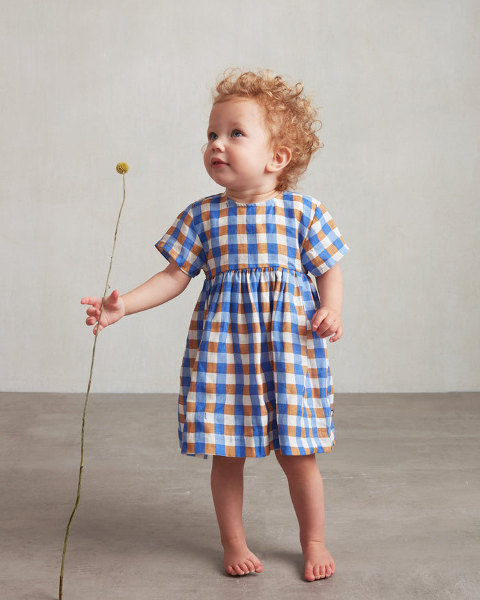Little oeuf girl short sleeve dress in sky blue + gingham