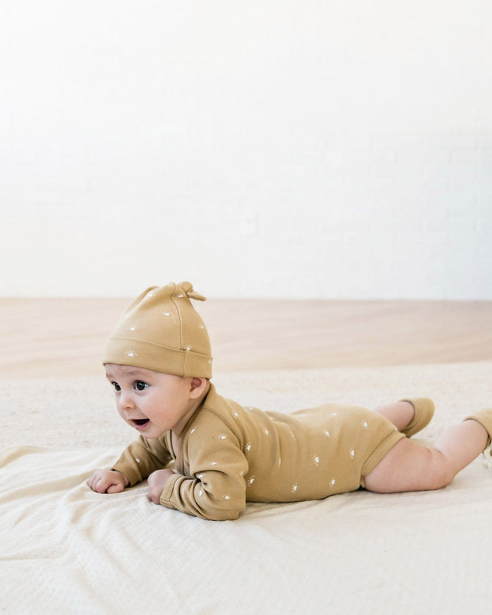 Little quincy mae layette nb kimono onesie in honey