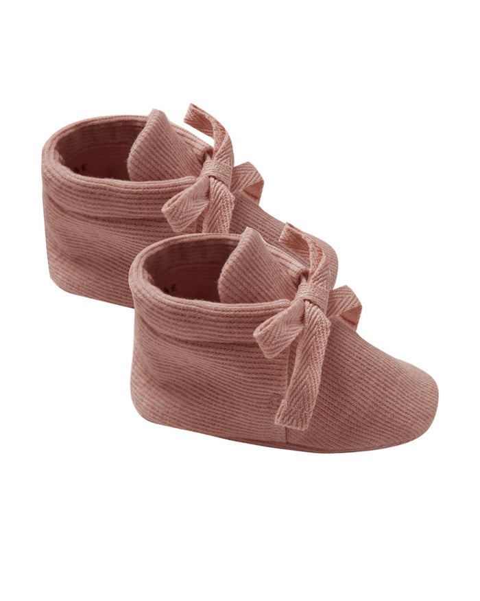 Little quincy mae baby accessories ribbed baby booties in clay
