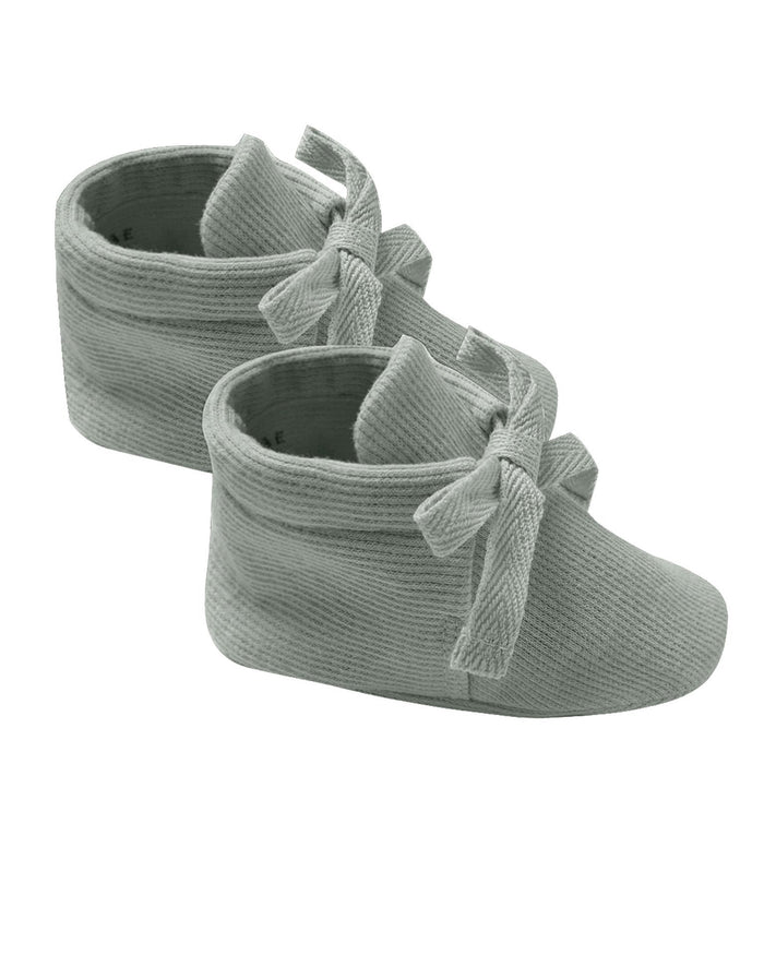 Little quincy mae baby accessories ribbed baby booties in eucalyptus
