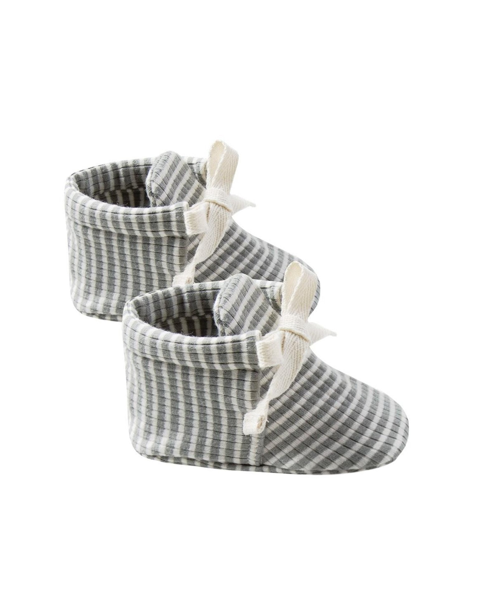 quincy mae ribbed baby booties in