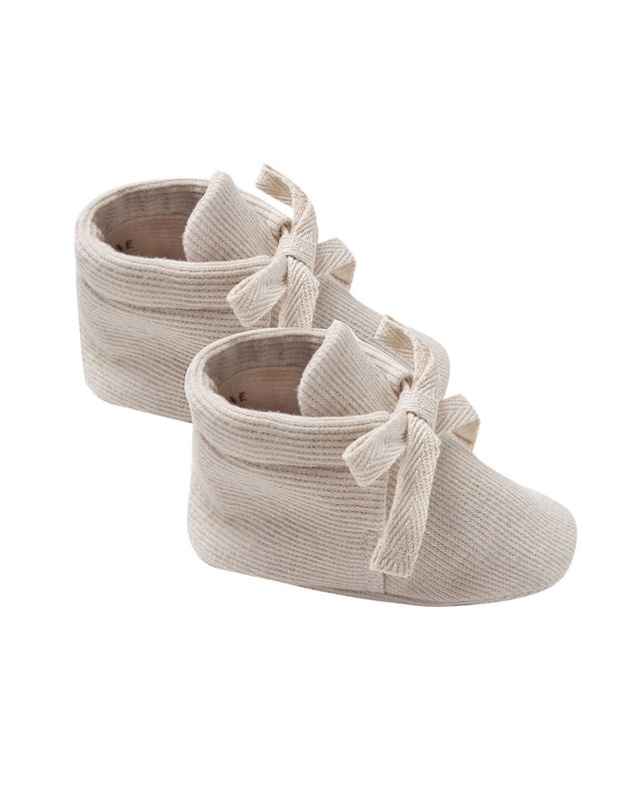 Little quincy mae baby accessories ribbed baby booties in stone