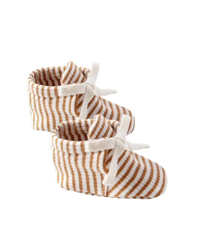 Little quincy mae baby accessories ribbed baby booties in walnut stripe