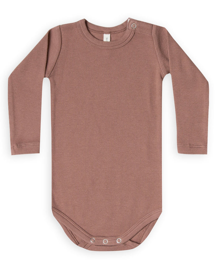 Little quincy mae baby girl ribbed longsleeve onesie in clay