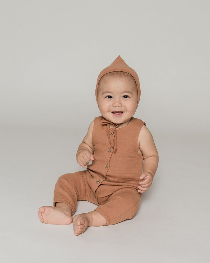 Little quincy mae baby girl woven button jumpsuit in rust