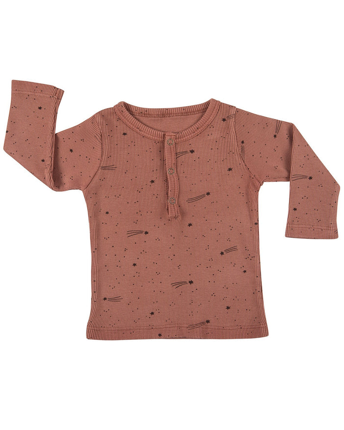 Little red caribou baby boy bright stars baby tunisian t-shirt in light mahogany