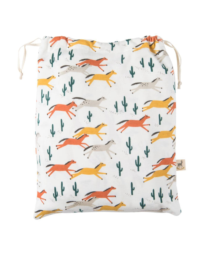 Little red caribou room wild horses crib sheet