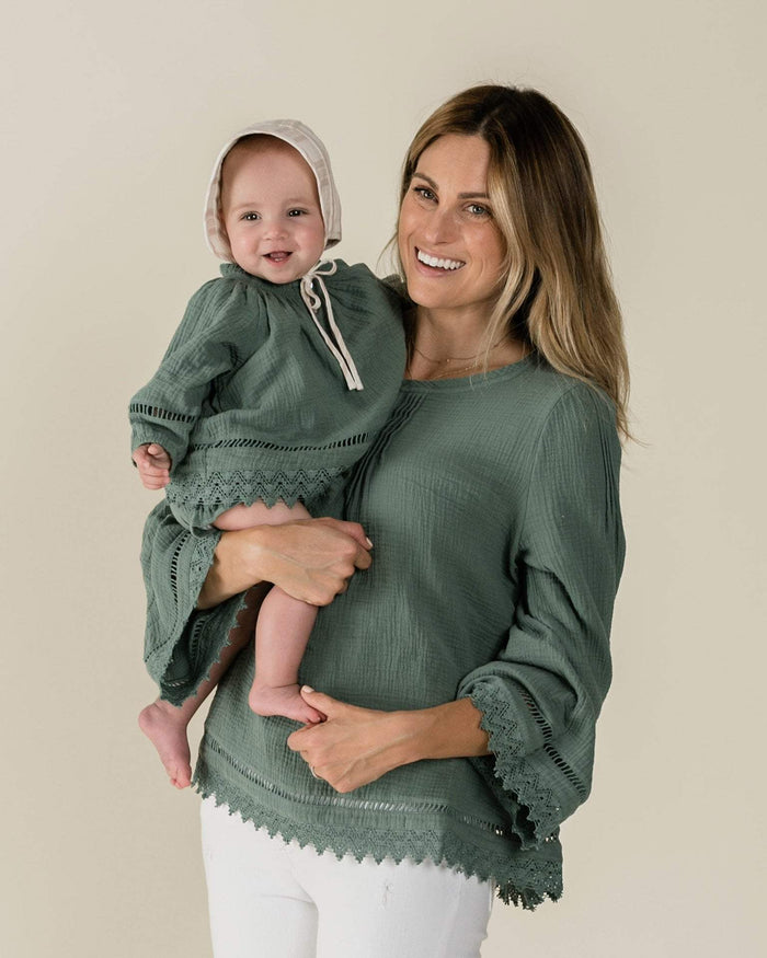 Little rylee + cru women xs kalo blouse in rainforest