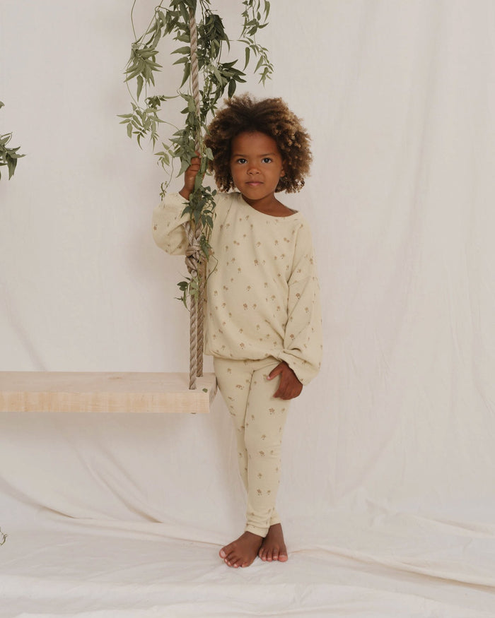 Little rylee + cru girl little flower knit legging in butter