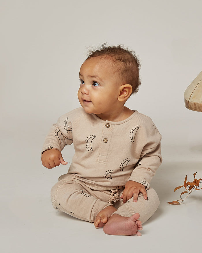 Little rylee + cru baby boy moons henley in oat