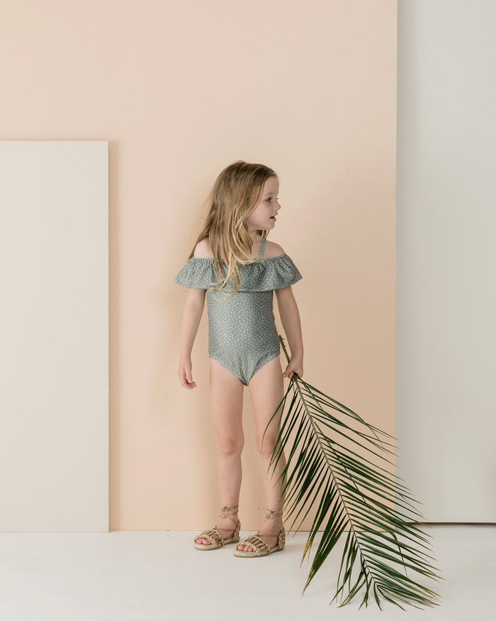 Little rylee + cru girl 2-3 seeds off the shoulder suit