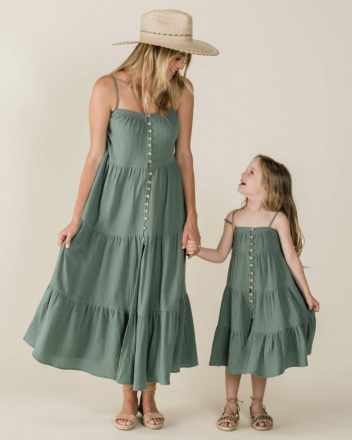 Little rylee + cru girl 2-3 tiered maxi dress