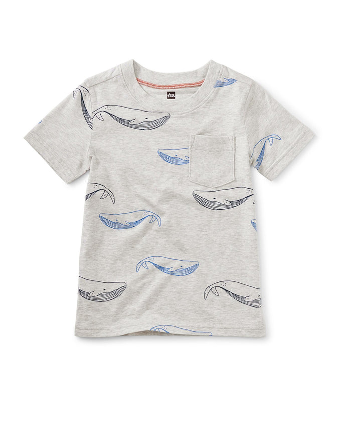 Little tea collection boy printed pocket tee in azure whales