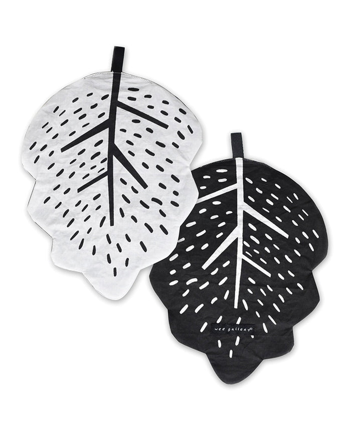 Little wee gallery play leaf crinkle toy