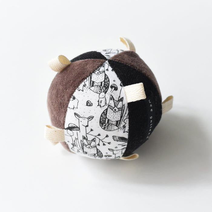 Little wee gallery baby accessories taggy ball with rattle - woodland