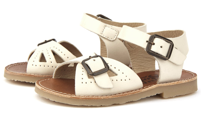 Little young soles girl pearl sandal in vanilla