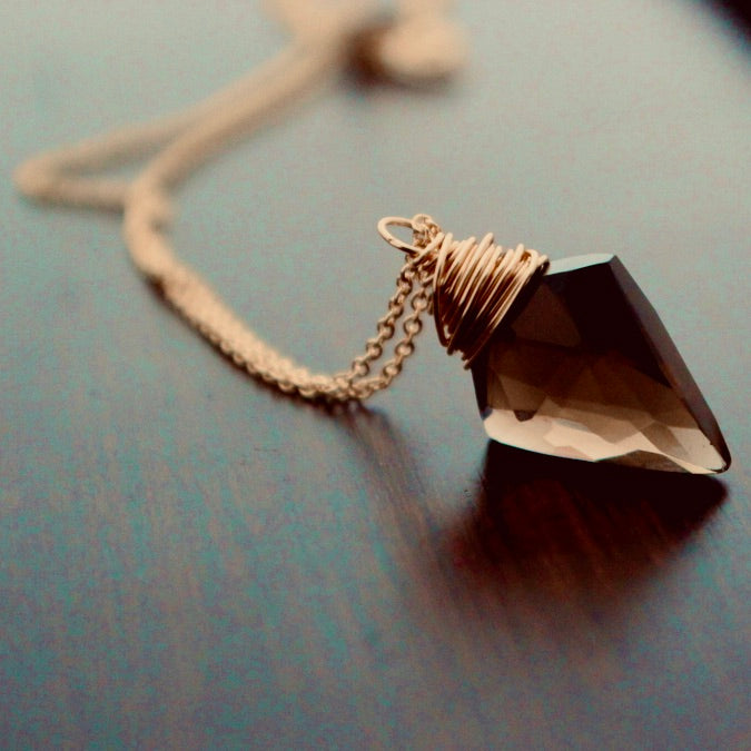 Saressa Arrow Necklace - Gold