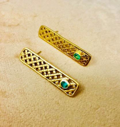 Protection Gold Amuleto Emerald Earrings