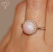 Heartlyn Round Ring