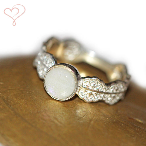 Amorette ~ 'Peu' Ring