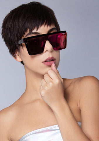 Hindsight Sunglasses in Black Pink